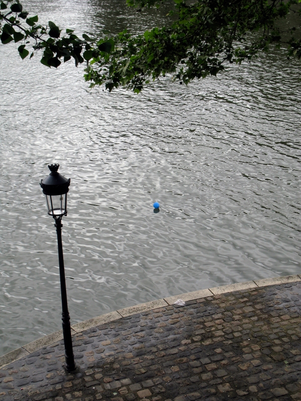 Blue Baloon on the Seine, Ile St. Louis, Paris 4˚